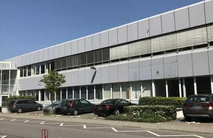 """# Traitteur - Moderne Lagerhalle für """"ruhiges"""" Gewerbe + Büroräume"""