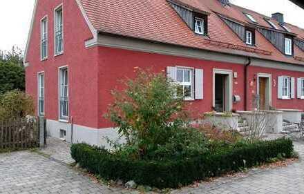 Schönes Reiheneckhaus in Kaisheim bei Donauwörth mit 7 Zimmern und Garten
