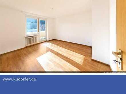 * * * LETZTE CHANCE * * * TOP renovierte 2-Zimmer-Wohnung m. Balkon
