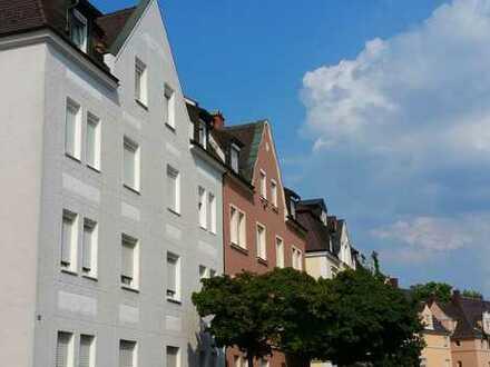 A-Senkelbach: Helle 2 ZKB in Jugendstilhaus, DG (4.OG), EBK, Fensterbad, Parkett, zum 01.02.19
