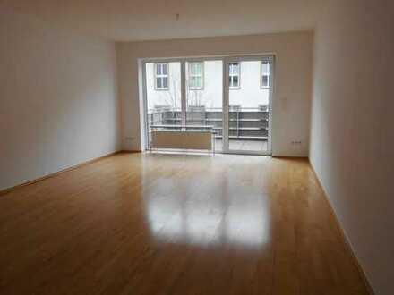 Schicke Wohnung für Stadtliebhaber - mit Balkon und EBK