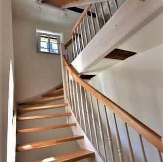Haus mit gehobener Ausstattung, Fußbodenheizung, Terrasse, Stellplätze