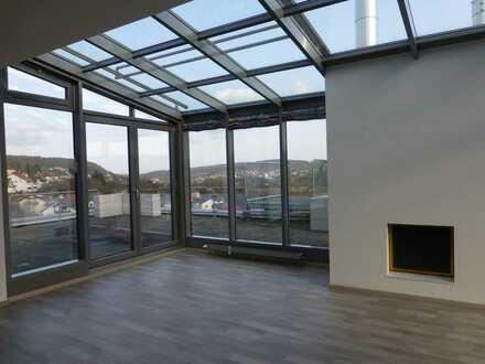 Großzügiges, repräsentatives Penthouse-Büro mit gigantischer Fernsicht