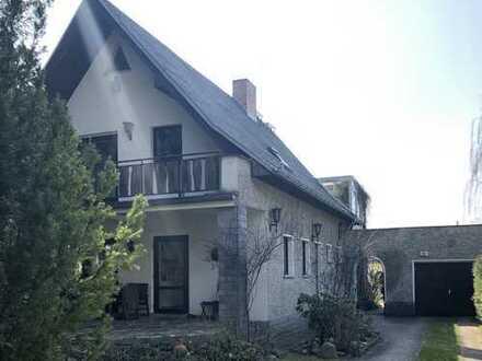 freistehendes Einfamilienhaus direkt am Wald mit großer Terrasse und Kamin!