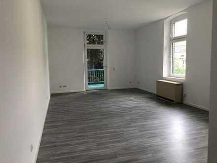 Frisch renoviert!!-Pfiffiges Apartment -Wohn-/Schlafbereich lässt sich super aufteilen!!