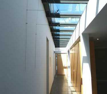 Exklusive Gewerbefläche für Praxis-/Büroräume in Isernhagen-Süd