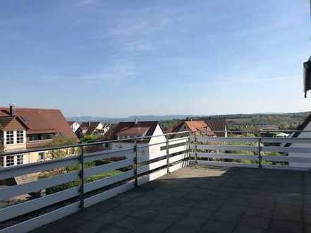 Vollständig renovierte 2,5-Zimmer-Wohnung mit Balkon in Denkendorf