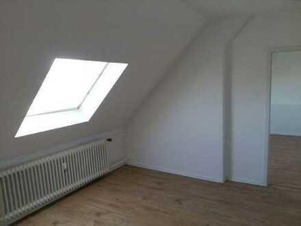Sanierte DG Wohnung 4 Zimmer