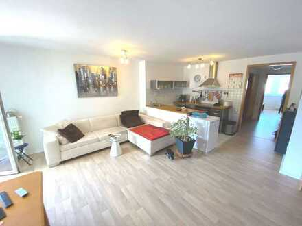 Helle und moderne 2 Zimmer Wohnung im Herzen von Dettingen