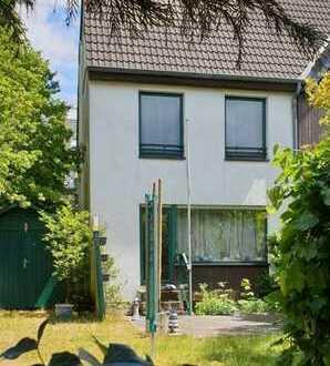 Freigewordenes Bast-Endhaus mit Südgarten - ideal für Familie und Arbeit unter einem Dach