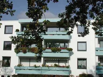 Preiswerte, gepflegte 3-Zimmer-Wohnung mit Balkon und Einbauküche in Achim