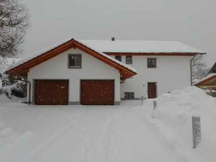 Erstbezug: attraktive 4,5-Zimmer-Wohnung mit Terrasse in Böbing