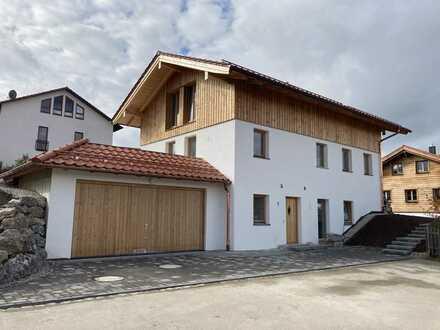Erstbezug-Helles Einfamilienhaus mit großem Grundstück u. Süd-Terrassen
