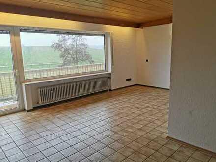 4 - Zimmer Wohnung in ruhiger Wohngegend mit Ausblick ins Grüne