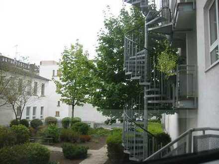 Zentral gelegene ruhige 2 Zimmer-Wohnung mit Südbalkon: App. 061