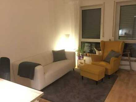 2 Zimmerwohnung ca. 53m2 - Wohnzimmer, Küche und Bad in Dreieich-Offenthal