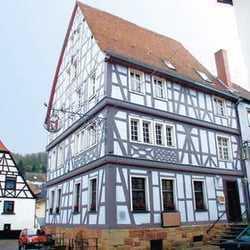 Alt eingesessene historische Gaststätte in Altstadtlage