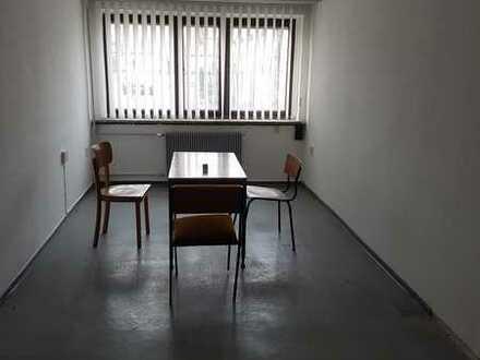 Räume als Büro/Archiv/Lagerfläche zu vermieten, im Gebäude EG, Direkt am Bahnhof Friesack !