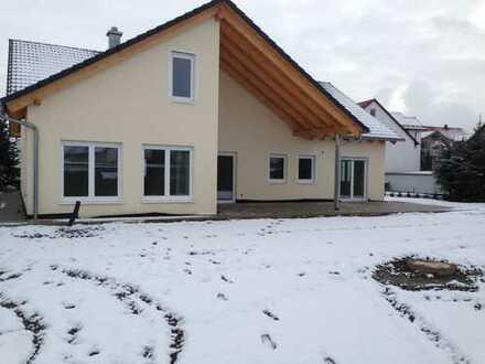 Schönes, neuwertiges Haus zu vermieten