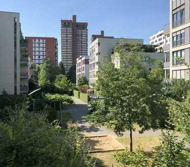 sehr schöne, WG-geeignte Wohnung für 4-5 Personen in Rheinnähe