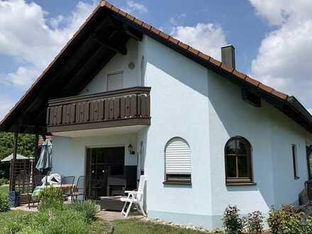Gepflegte Doppelhaushälfte mit EBK in Gundelfingen an der Donau, Gundelfingen an der Donau