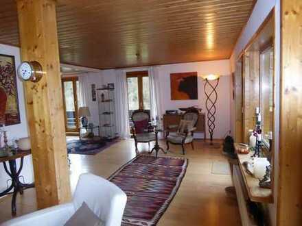 Großzügiges, freistehendes Wohnhaus in idyllischer Ortsrandlage mit großem Garten und vielen Extras