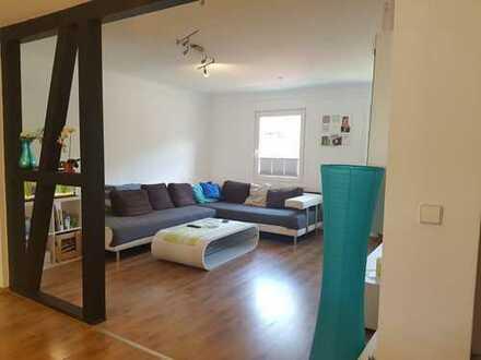 WG Zimmer in luxuriöser 5 Zimmer Wohnung