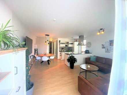 CITY-LIVING der Extraklasse! Helle 4 Zi. Wohnung mit großem Sonnenbalkon!