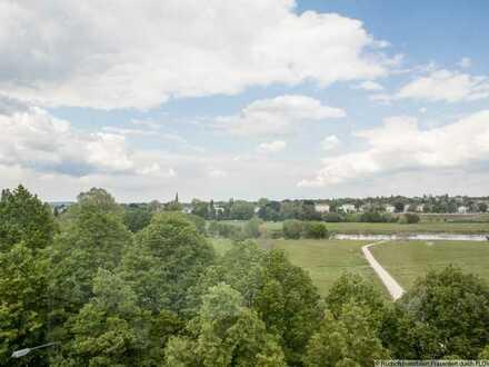 5 Zimmer-Dach-Maisonettewohnung mit herrlichem Blick zur Elbe