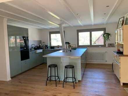 Renovierte, lichtdurchflutete Wohnung im Ortskern von Merdingen