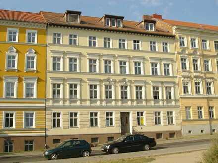 2-Raum Wohnung in Hochparterre Altberesinchen