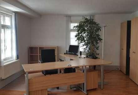 BK-Innenstadt: Möblierter Büroraum in repräsentativem Gebäude!