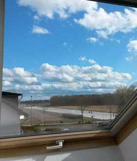 3-Zi-DG-Wohnung mit EBK, 74 qm, 3 Balkonen, 2 Stellpl. und Keller in Troisdorf