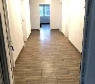 1.120 €, 160 m², 5 Zimmer