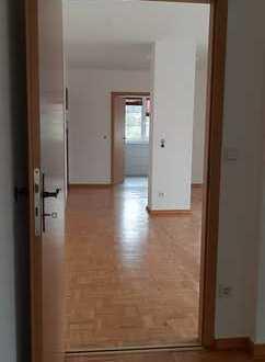 Großzügig geschnittene 2 Zimmerwohnung in der Villenvorstadt // Dachterrasse