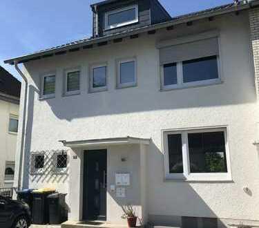Individuelle Maisonette-Wohnung mit zwei Balkonen