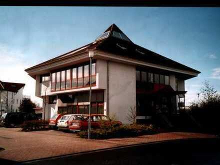 Ansprechende, gepflegte 4-Zimmer-Dachgeschosswohnung mit gehobener Innenausstattung in Mainhausen