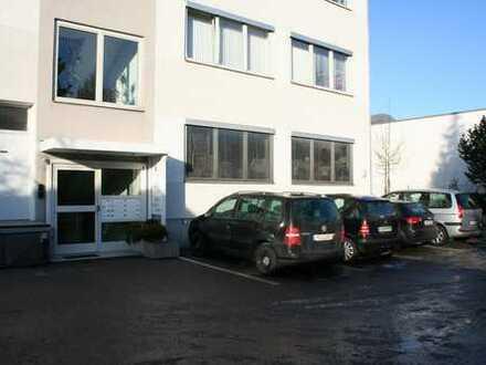 Praxis- Büroflächen in zentraler Lage München Neuaubing direkt an der S-Bahn S8, Prov. frei