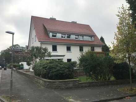 Schöne, vollständig renovierte 2-Zimmer-DG-Wohnung in Bad Salzuflen