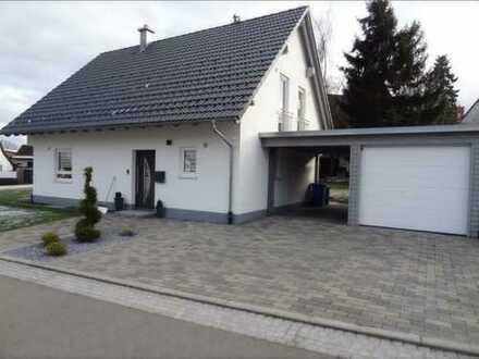 Modernes, freistehendes Einfamilienhaus in zentraler Lage