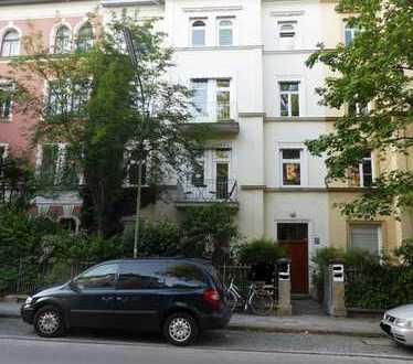Denkmalgeschützter Altbau im Klinikviertel, möbliert