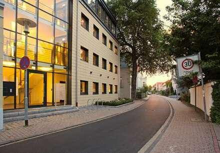 IN BESTER GESELLSCHAFT. Repräsentative Büroräume nahe der Innenstadt.