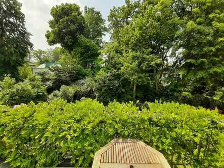 Zimmer in einer Berufstätigen-WG in alter Stadtvilla mit Balkon/Garten im Grünen