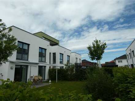 Modernes neues Wohnen in Breisach - Untere Gärten II - Neuwertiges Cube-Reihenhaus der Extraklasse