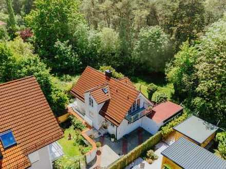 Einfamilienhaus in Premiumlage! Seltenes Filetgrundstück am Waldrand mit Traumblick!