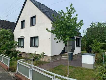 Von Privat Gepflegtes 5-Zimmer-Einfamilienhaus in Lierenfeld, Düsseldorf