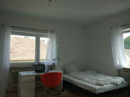 Schöne ein Zimmer Wohnung in Friedberg (Augsberg)