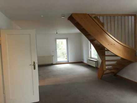 4,5 Zimmer-Wohnung im 1.OG+2.OG mit Balkon in Heilbronn-OST
