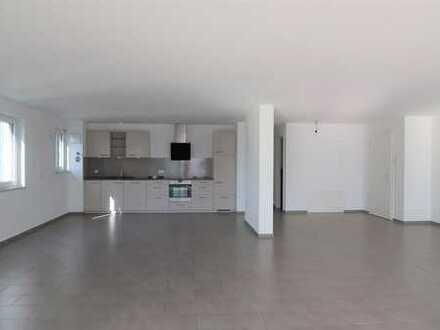 ***Familienwohnung - Schicke 4-Zi.-Whg. mit tollem Balkon und EBK in Bad Cannstatt ***