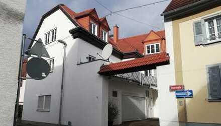 Ab sofort 2,5-Zimmer-Dachgeschosswohnung zur Miete in Mainz 06131/957004